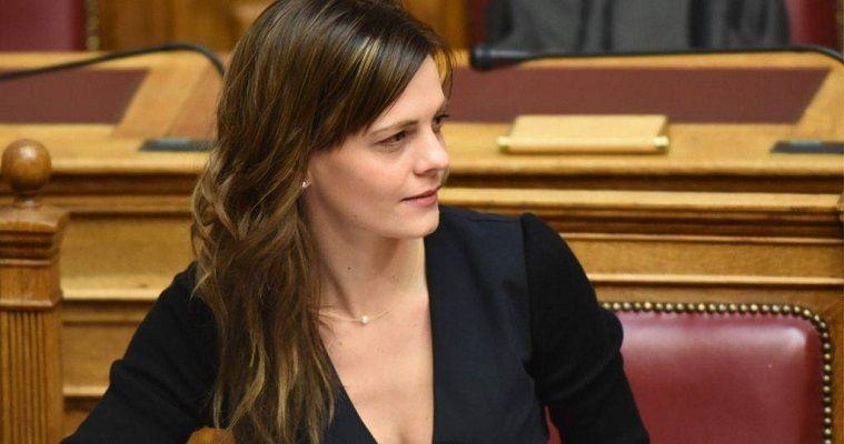 """Αχτσιόγλου: από το """"πουθενά"""" υπουργός Εργασίας, Νεφέλη Λυγερού"""