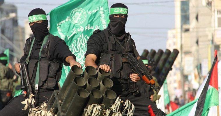 του Γιώργου Λυκοκάπη – Δεν πρόλαβε η Χαμάςνα ολοκληρώσει τη στροφή της προς μία πιο ρεαλιστική προσέγγιση για το Παλαιστινιακό και η απόφαση του προέδρου Τραμπ να αναγνωρίσει την Ιερουσαλήμ σαν πρωτεύουσα του Ισραήλ εξωθεί τηνισλαμική αυτή οργάνωση να οπισθοδρομήσει στο μονοπάτι της σύγκρουσης. Έχει ήδη ανακοινώσει την κήρυξη μίας νέας Ιντιφάντα, η οποία αυτή τη φορά θα εξελιχθεί σ' ένα κλίμα γενικευμένης αγανάκτησης όχι μόνο στον αραβικό κόσμο, αλλά και γενικότερα. Ακόμα και οι πιο πιστοί σύμμαχοι της Ουάσιγκτον […]