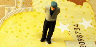 Σε τούνελ το συνταξιοδοτικό σύστημα στην Ευρώπη, Σάββας Ρομπόλης και Βασίλης Μπέτσης