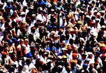 Από τη μαζικοδημοκρατία στη μεταδημοκρατία, Κώστας Μελάς