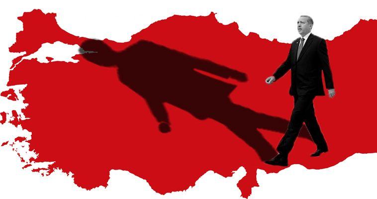 του Σταύρου Λυγερού – Η Τουρκία κουβαλάει στο γονίδιό της το στίγμα ότι ως σύγχρονο κράτος δημιουργήθηκε από αξιωματικούς, μετά από έναν νικηφόρο πόλεμο. Και μάλιστα η ίδρυση της Τουρκικής Δημοκρατίας ως ιδιότυπου εθνικού κράτους ήταν τότε ο μοναδικός τρόπος για να αποφευχθεί η παντελής διάλυση της Οθωμανικής Αυτοκρατορίας. Ο Μουσταφά Κεμάλ οικοδόμησε την Τουρκική Δημοκρατία κατ' αντιδιαστολή προς την οθωμανική παράδοση. Ποτέ και πουθενά, όμως, παραδοσιακές αντιλήψεις και ριζωμένες νοοτροπίες δεν καταργούνται με διατάγματα. Ο ίδιος, άλλωστε, υποκατέστησε με […]