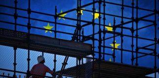 Σε σταδιακή αποδόμηση η κοινωνική Ευρώπη, Σάββας Ρομπόλης και Βασίλης Μπέτσης