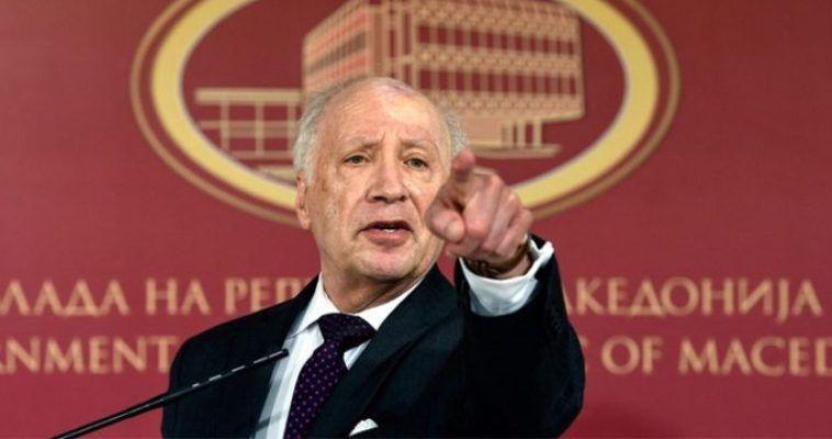 του Θοδωρή Καρναβά – Ο Μάθιου Νίμιτς, ειδικός απεσταλμένος του ΟΗΕ για το ζήτημα της ονομασίας των Σκοπίων, με αφορμή την επανέναρξη των συνομιλιών, έκανε την ακόλουθη δήλωση: «πρέπει να είμαστε ρεαλιστές, αυτή τη στιγμή το όνομα της χώρας στον ΟΗΕ είναι Πρώην Γιουγκοσλαβική Δημοκρατία της Μακεδονίας. Μπορούμε να βρούμε μια λύση, ο όρος 'Μακεδονία' περιλαμβάνεται στην ονομασία και αναγνωρίζεται από την Ελλάδα. Επίσης, πάνω από 100 χώρες αναγνωρίζουν αυτή τηχώρα ως Republika Makedonija και άραο όρος 'Μακεδονία συνδέεται με […]