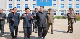 Εμφανίστηκε ο Κιμ Γιονγκ Ουν σε εγκαίνια εργοστασίου