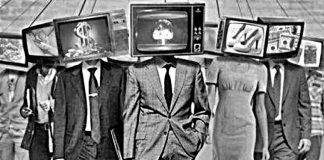 Τα ΜΜΕ προστατεύουν την κυβέρνηση και ελέγχουν την αντιπολίτευση! Δημήτρης Χρήστου