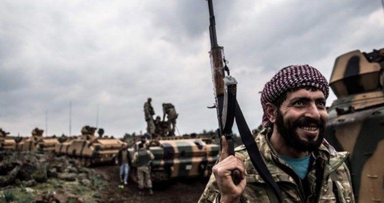 Γράφει ο Σταύρος Λυγερός – Είναι κοινός τόπος ότι στη Συρία διεξάγονται ταυτοχρόνως παράλληλοι πόλεμοι. Υπενθυμίζουμε πως το καθεστώς Άσαντ ήταν στόχος της Ουάσιγκτον από την εποχή της προεδρίας Μπους. Πρώτα το Αφγανιστάν των Ταλιμπάν, μετά το Ιράκ του Σαντάμ Χουσεϊν, στη συνέχεια η Συρία του Άσαντ και τέλος το Ιράν. Τότε, η Συρία είχε γλυτώσει, λόγω του εγκλωβισμού των Αμερικανών στο ναρκοπέδιο του Ιράκ. Η Συρία ήταν στόχος της Δύσης όχι βεβαίως επειδή το καθεστώς Άσαντ ήταν αυταρχικό. Ήταν […]