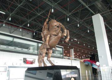 ΠΓΔΜ: Απομακρύνθηκε το άγαλμα του Μεγαλέξανδρου από το αεροδρόμιο