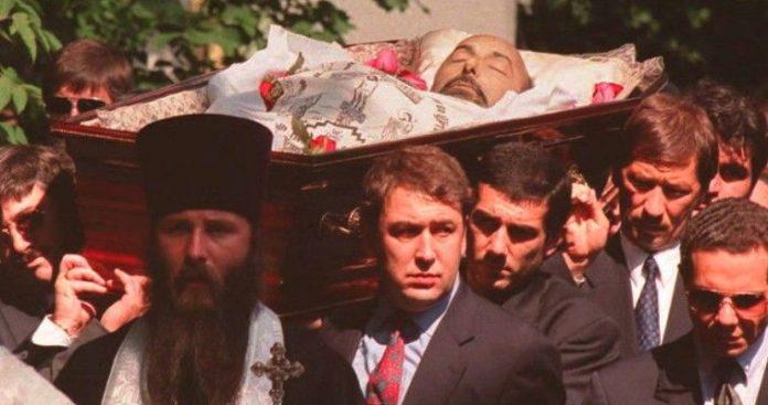 Αλά Σκριπάλ δολοφονία Έλληνα τραπεζίτη στη Ρωσία, Νεφέλη Λυγερού