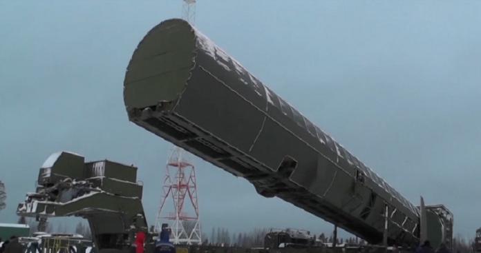 Ο Πούτιν παρουσίασε τον νέο βαλλιστικό πύραυλο Sarmat