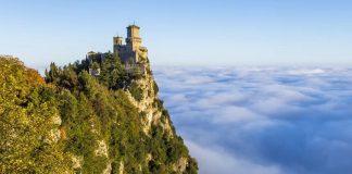 Το ομιχλώδες Σαν Μαρίνο με τα παραμυθένια κάστρα