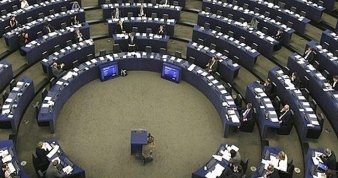 Ευρωβουλή: Ανοίξτε τα σύνορα σας και εφαρμόστε τη Συμφωνία του Σένγκεν τώρα