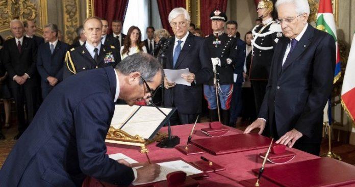Τζιοβάνι Τρία: O νέος Ιταλός υπουργός Οικονομικών που συμφωνεί με τον... Σαβόνα