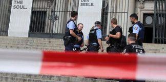 Θρίλερ στον Καθεδρικό Ναό του Βερολίνου – Αστυνομικός πυροβόλησε άνδρα οπλισμένο με μαχαίρι