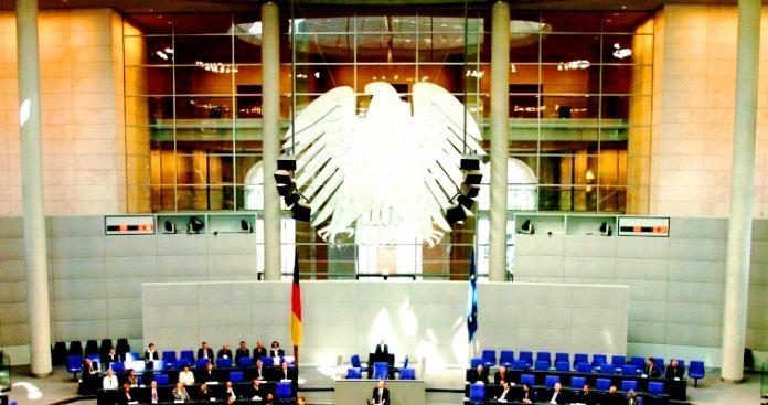 Το άλλοθι του γερμανικού imperium – Στο ίδιο μονοπάτι με άλλο τρόπο, Μάκης Ανδρονόπουλος