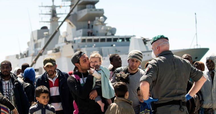 Η Ιταλία επαναστατεί στην ΕΕ για τη λαθρομετανάστευση, Κωνσταντίνος Κόλμερ