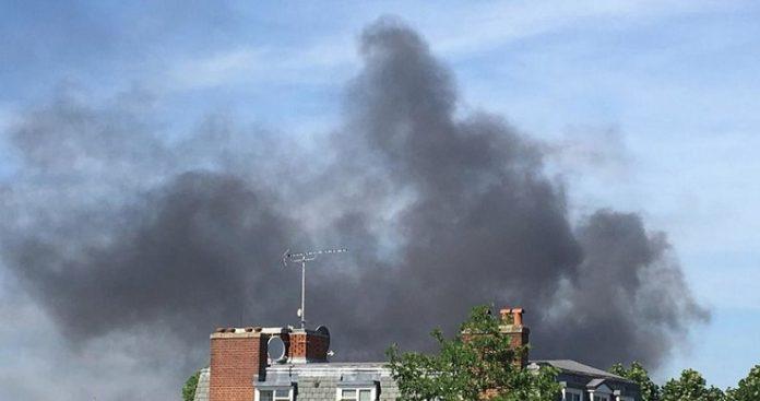 Καίγεται πολυτελές ξενοδοχείο στο Λονδίνο