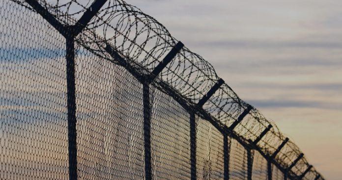 Αποθήκη ψυχών και Διαβατά - Πως συρρικνώνεται η παράνομη μετανάστευση, Σταύρος Λυγερός