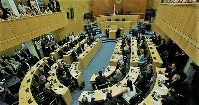 Τα απόνερα του Μνημονίου στην Κύπρο, Κώστας Βενιζέλος