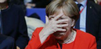 «Πάτωσε» η Μέρκελ στις δημοσκοπήσεις