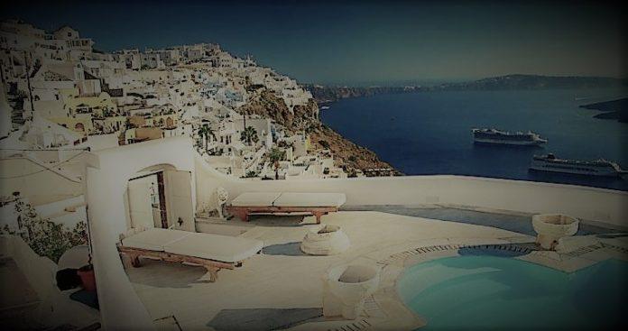 Ιστορίες με κροίσους τουρίστες στα ελληνικά νησιά, Νεφέλη Λυγερού