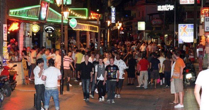 Τουρισμός εναντίον τουρισμού, Δημήτρης Σκουτέρης