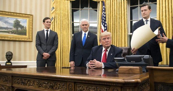 Άγχος στον Λευκό Οίκο προκαλεί ο Τραμπ