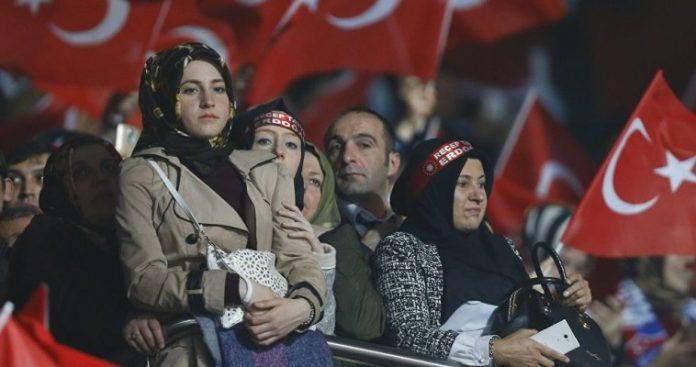 Οι πέντε επιλογές της Τουρκίας για τη σωτηρία της λίρας, Jonathan Wheatley