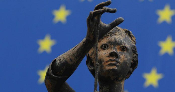 Οδεύει η Ευρώπη προς μια νέα αυτοχειρία;, Θεόδωρος Ράκκας