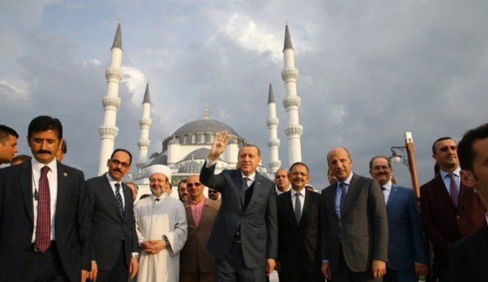 Ο Ερντογάν ανεβάζει τη θερμοκρασία σε Αιγαίο και Κύπρο, Νεφέλη Λυγερού