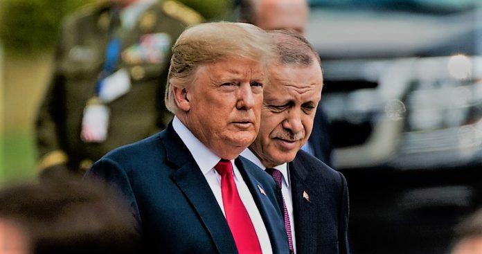Έκτακτη συνάντηση Τραμπ-Ερντογάν