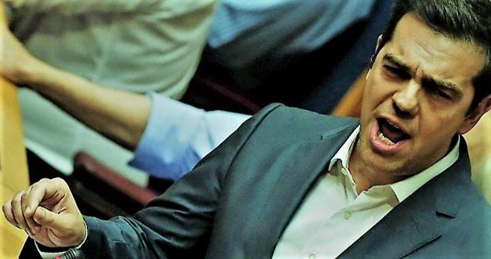της Νεφέλης Λυγερού Η κύρωση της Συμφωνίας των Πρεσπών από το ελληνικό Κοινοβούλιο εξελίσσεται πια σε πόκερ για γερά νεύρα. Η στάση του Ζόραν Ζάεφ το τελευταίο διάστημα αποσταθεροποίησαν την κοινοβουλευτική πλειοψηφία που φαινόταν πως είχε εξασφαλίσει ο Αλέξης Τσίπρας, λόγω της πρόθεσης του Ποταμιού να υπερψηφίσει. Το κλίμα ακραίας πόλωσης που επικρατεί γι' αυτό το ζήτημα επιβεβαιώθηκε χθες στη Βουλή. Παρ' ότι στην ημερήσια διάταξη ήταν το νομοσχέδιο του Υπουργείου Εργασίας για την κατάργηση του μέτρου περικοπής των συντάξεων από 1/1/2019, η συζήτηση εξελίχθηκε σε πολιτική σύγκρουση κυρίως του πρωθυπουργού και του αρχηγού της αξιωματικής αντιπολίτευσης για τη Συμφωνία των Πρεσπών. Η μονομαχία Τσίπρα-Μητσοτάκη ανέβασε το πολιτικό θερμόμετρο στο κόκκινο. Το εναρκτήριο άκτισμα έδωσε ο αρχηγός της ΝΔ, εξαπολύοντας σφοδρή επίθεση από το βήμα της Βουλής εναντίον της κυβέρνησης. Ζήτησε ακόμα μία φορά την προκήρυξη πρόωρων εκλογών και κατηγόρησε ευθέως τον πρωθυπουργό ότι αντάλλαξε την ακύρωση της μείωσης των συντάξεων με τη Συμφωνία των πρεσπών. «Λέτε ότι δεν θα κόψετε άλλο τις συντάξεις όταν εσείς υπογράψατε την μείωση των συντάξεων και ενώ προηγούμενα έχετε κόψει όλες τις νέες και έχετε πριονίσει όλες τις παλαιότερες». Η εν λόγω κατηγορία εξόργισε τον Αλέξη Τσίπρα που αντεπιτέθηκε με δριμύτητα, κατηγορώντας τον Κυριάκο Μητσοτάκη για υιοθέτηση ακραίας ρητορικής και προκαλώντας τον να άρει τη θετική του ψήφο στο νομοσχέδιο για τις συντάξεις αν θεωρεί πως είναι προϊόν συναλλαγής. Ο πρόεδρος της αξιωματικής αντιπολίτευσης, απευθυνόμενος στον πρωθυπουργό, ζήτησε εξηγήσεις για τις πρόσφατες λεκτικές τορπίλες του Ζόραν Ζάεφ. «Έχετε να πείτε κάτι για τις δηλώσεις Ζάεφ και τα μακεδονικά που πρέπει να διδάσκονται στην Ελλάδα. Ο κ. Ζάεφ κέρδισε ότι δεν του είχαν παραχωρήσει επί 27 χρόνια έξι πρωθυπουργοί, την μακεδονική εθνότητα και γλώσσα. Εκεί που όλοι έλεγαν όχι εσείς είπατε ναι. Δεν συμφωνούμε με το σύνθημα 'η Δημοκρατία πούλησε τη Μακεδονία' γιατί μόνοι σας το κάνατε, όλοι οι 