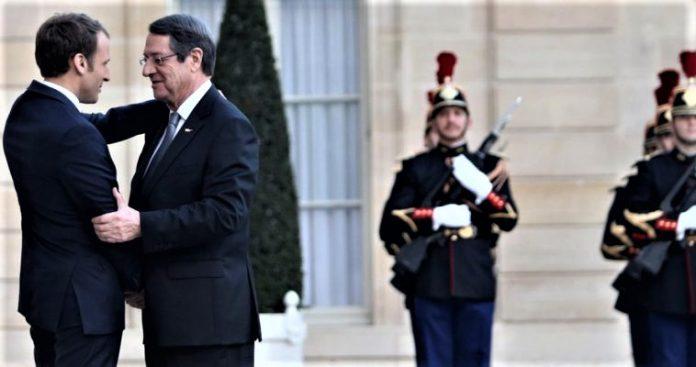 Γαλλική ομπρέλα ασφαλείας στην ελεύθερη Κύπρο, Κώστας Βενιζέλος