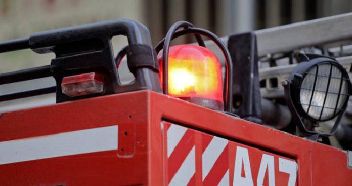 Πυρκαγιά σε εργοστάσιο χημικών στο Βαθύ Αυλίδας