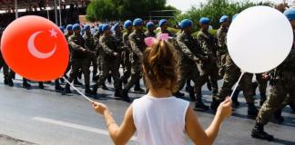 Οι Ελληνοκύπριοι σημαιοφόροι του τουρκικού εθνικισμού, Κώστας Βενιζέλος