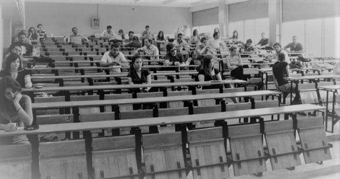 Άρθρο 16 και τα μυαλά στα κάγκελα, Μάκης Ανδρονόπουλος