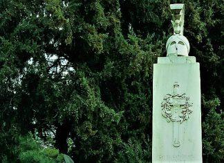 Που βρίσκεται το πρώτο ηρώο της Επανάστασης, Δημήτρης Παυλόπουλος