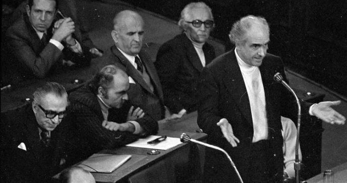 Οι διαχωριστικές γραμμές και ο δυισμός του ΠΑΣΟΚ, Βασίλης Ασημακόπουλος