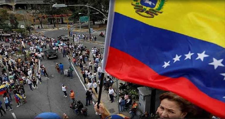 «Εμφύλιος» συλλαλητηρίων στη Βενεζουέλα, Πέτρος Παπακωνσταντίνου
