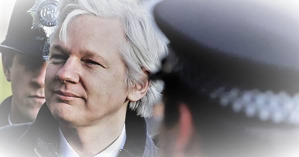 Πως βρέθηκε ο Mr. Wikileaks στα χέρια των διωκτών του, Νεφέλη Λυγερού