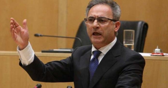 Πολιτικές μαγκιές στην Κύπρο - Πολιτικό σύστημα σε παρακμή, Κώστας Βενιζέλος