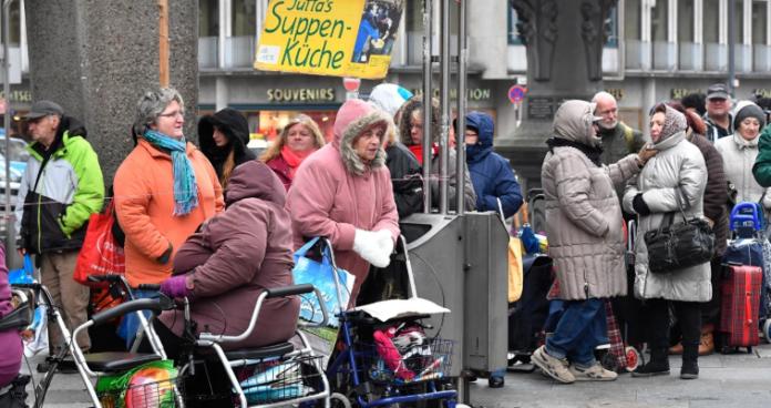 Η Ευρώπη σε τροχιά κοινωνικής παρακμής - Πως θα είναι το 2070, Σάββας Ρομπόλης-Βασίλης Μπέτσης