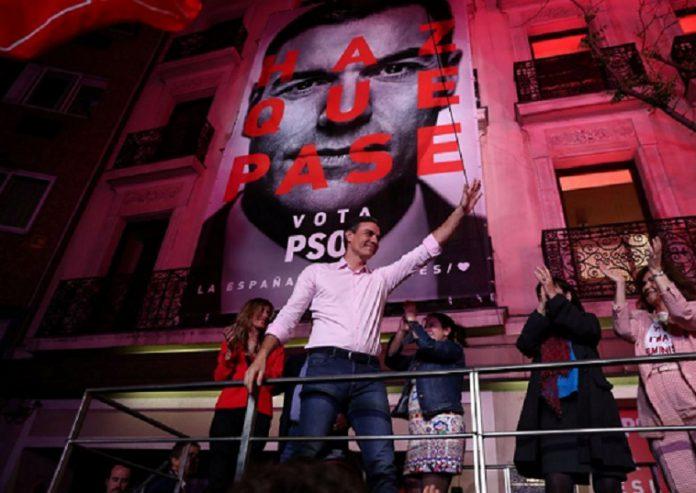 Η κεντροδεξιά πλήρωσε το «No pasaran!» στους νοσταλγούς του Φράνκο, Βαγγέλης Σαρακινός