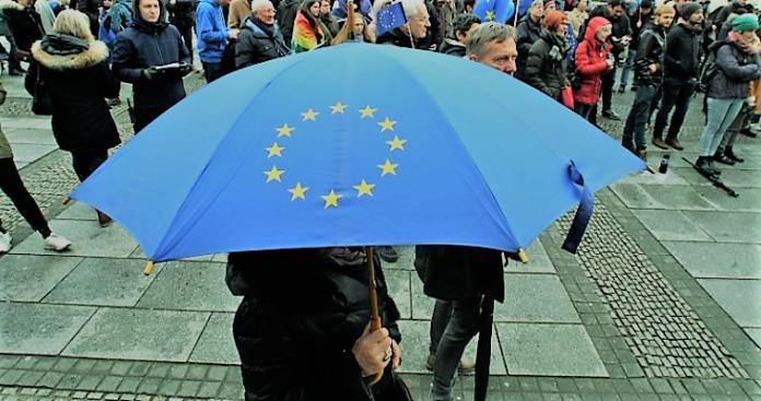 Ευρωκάλπες: Για να μην καταλήξουμε άξιοι της μοίρα μας..., Μαρία Νεγρεπόντη-Δελιβάνη