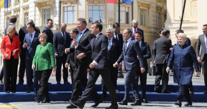 Ο δεκάλογος της Ευρώπης - Η διακήρυξη του Σιμπίου, Δημήτρης Ρολόγης