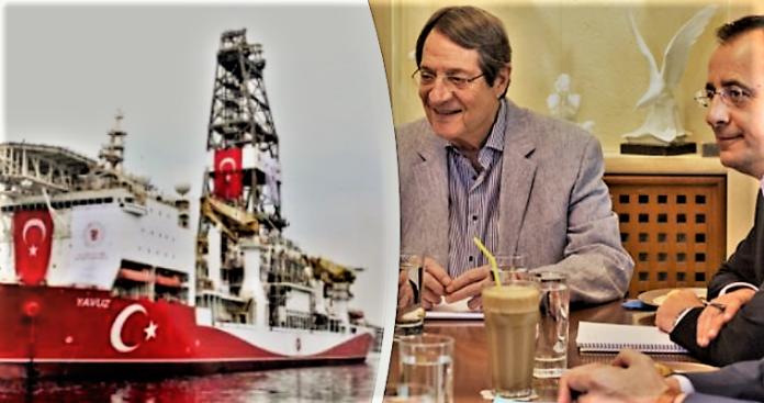 Οι Ελληνοκύπριοι τον φραπέ τους, η Τουρκία τις γεωτρήσεις της, Κώστας Βενιζέλος