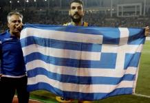 """""""Επιτέθηκαν"""" σε ποδοσφαιριστή επειδή πανηγύρισε κρατώντας ελληνική σημαία! Μιχάλης Ιγνατίου"""