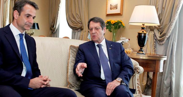 Ο Μητσοτάκης αντιμέτωπος με τα εθνικά θέματα, Νεφέλη Λυγερού