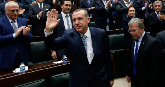 Γιατί ο Ερντογάν επιδιώκει αναθεώρηση της
