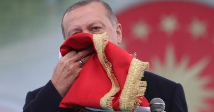 «Όπου υψώσαμε τη σημαία μας μια φορά, μετά δεν κατέβηκε», Κώστας Βενιζέλος
