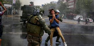 """Γιατί μας αφορούν τα γεγονότα στη Χιλή - Ο """"εχθρός λαός"""", Θέμης Τζήμας"""